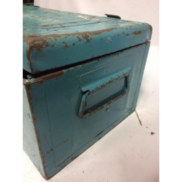 Verbazingwekkend Vintage industriele ijzeren kist nr 160 IQ-63